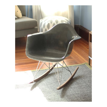 Herman Miller Eames Chair - Elephant Gray