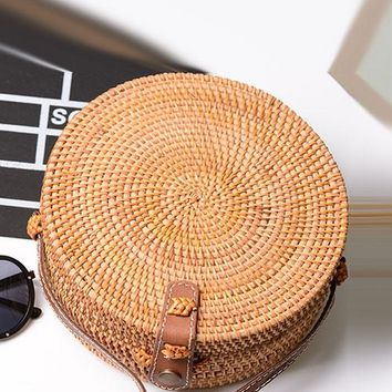 B| Chicloth Handmade Rattan Woven Leather Round Tote Rattan Bags