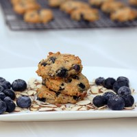 Grain-Free Blueberry Almond Breakfast Cookies - Free People Blog