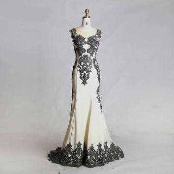 Ivory Evening Dresses Scoop Neck Sleeveless Appliques with Stone Floor Length Maxi Long Prom Dresses