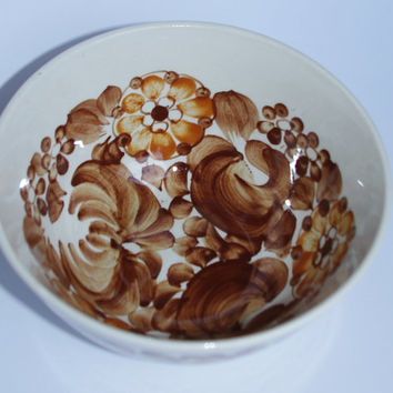 Ceramic vintage serving bowl / Polish pottery / Polish ceramics Glazed/ Floral beige brown Hand painted / Włocławek Made in Poland / Antique
