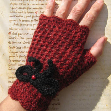 Red fingerless gloves mittens black knot and red bead wool 100% Alpaca vintage steampunk gothic lolita pin up