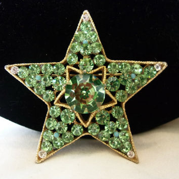 BSK Big Star Brooch Green Glass Rhinestone Faux Turquoise Gold Plate Vintage Pin