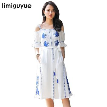 limiguyue bohemian people embroidery boho beach dress white slash neck off the shoulder long dress hippie chic retro dress Z0215