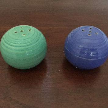 Vintage Bauer Ringware Salt Pepper Shaker Set, Blue and Green. California Pottery.