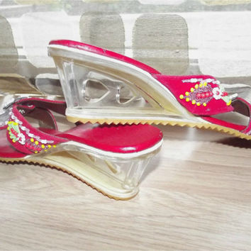Vintage 60s Beaded Cut Out Hearts Lucite Wedge Heel Sandals Slides Pumps Shoes Red Velvet Size 7