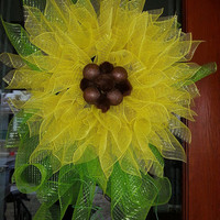 Deco Mesh Sunflower Wreath