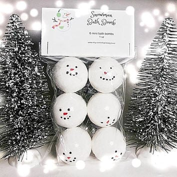 Snowman bath bombs, bath bomb, bath bomb for kid, stocking stuffer, christmas bath bomb, winter bath bomb, handmade bath bomb, party favors