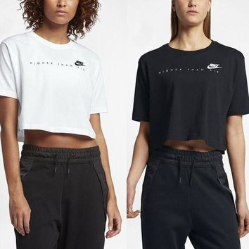 DCCKBA7 The Nike Sportswear 'Higher Than Air' Cropped Women's Short Sleeve Top