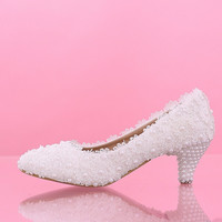 White flowers lace Bridal wedding shoes Low heels with pearl shoes bride shoes new waterproof Bride's Bridesmaid Shoes
