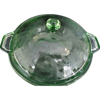 Jeannette Glass Depression Era Green Floral Covered Vegatable Bowl Poinsettia