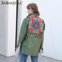 TWOTWINSTYLE Embroidery Floral Women Basic Coats Autumn 2017 Army Green Bomber Jacket Long Sleeve Pocket Zipper Casual Tops Tide
