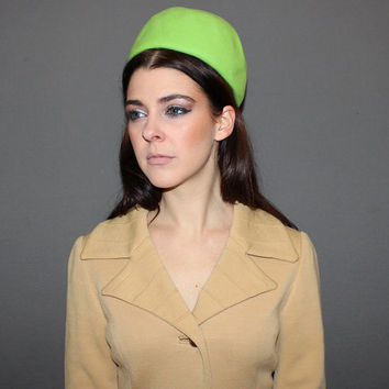 Vintage 60s LIME GREEN HAT / Pillbox Hat / Mod, Groovy, Psychedelic Hat / Bright, Bold Neon / Felted Wool Fascinator Hat / Unique, Ooak