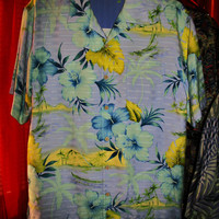 Amazing Vintage Hawaiian Shirt TOMMY BAHAMA  Blue Tropical Flowers 100% Silk Size M Very Collectible