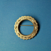 Vintage La Mode Gold Filled Circle Brooch, Etched, Scrolled, Textured, Scalloped Edge, Lovely! #a931