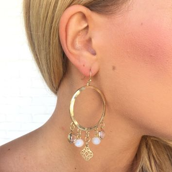 Charming Chic Hoop Earrings In Gold
