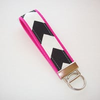 Key FOB / KeyChain / Wristlet  - Black White Chevron on hot pink  - Zig Zag zigzag