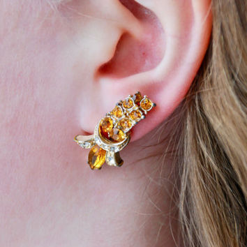 Vintage CORO Screw Back Earrings Yellow Topaz Rhinestones Gold Tone Cascade Hollywood Regency 1950's // Vintage Designer Costume Jewelry