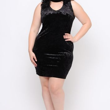 Plus Size Crushed Velvet Choker Dress - Black
