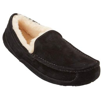 UGG Men's Ascot Suede Slippers, 8, Black