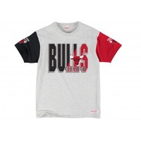 3-In-The-Key TeeChicago Bulls | Mitchell & Ness
