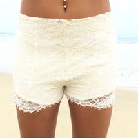 Evita Lace Shorts In Cream