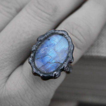moonstone ring, flashy blue ring, organic ring, statement ring, rustic ring, raw moonstone ring, handmade gift, raw women ring, gift ring