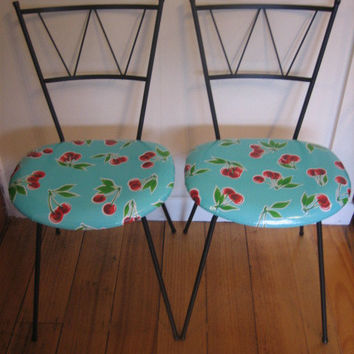 Vintage Parfait Chairs - Metal Frame Mexican Oil Cloth for Kitchen or Dining room