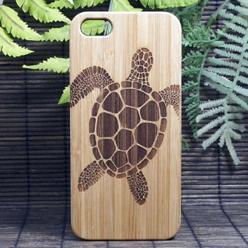 Sea Turtle iPhone 5 5S Case. Tribal Tattoo Ocean Sea Hawaiian Honu. Eco-Friendly Bamboo Wood Cell Phone Cover. FREE SHIPPING