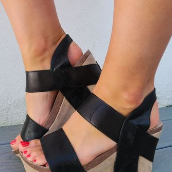 Keep Holding On Wedges: Black