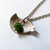 Bird pendant, textured silver pendant with diopside, green gemstone necklace. natural jewelry