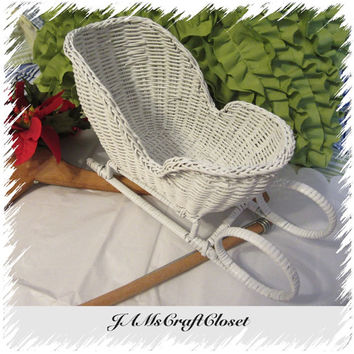 Vintage White Wicker Sleigh-Waiting for You to Decorate-Collectible-Holiday Decor-Fill With Goodies-Gift Idea-Christmas Decor-Country Decor