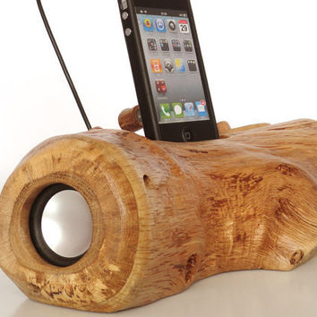 iPhone iPod music dock from log - (sync, charge, installed speakers, can serve as holder / stand)