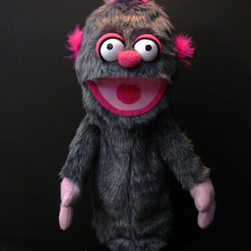 Grey Monster Hand Puppet or Ventriloquist Puppet (BigOOdle 48cm)