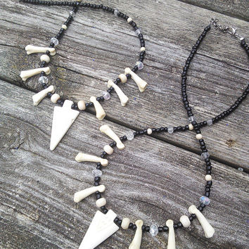 Coyote Toe Buffalo Bone Necklace, Arrowhead Necklace, Bone necklace, Bone jewelry, Shaman Jewelry, Tribal Necklace, Gypsy Warrior Necklace