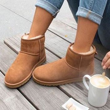 """""""UGG"""" Winter Fashionable Women Cute Ankle Wool Snow Boots Brown I/A"""