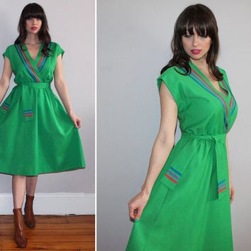 Vintage 70s Kelly Green MIDI Dress / Short Sleeve Spring, Summer Dress / Surplice, Overlapping, Wrap, Draped Bust / Med Large