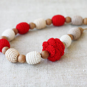 Nursing teething necklace Natural necklace with red accents Baby shower gift For new mother Chunky necklace Crochet jewelry Wooden beads