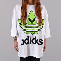 Adidas Originals ObyO x Jeremy Scott Trefoil Alien Oversized Tee (Z33095) | Shelta