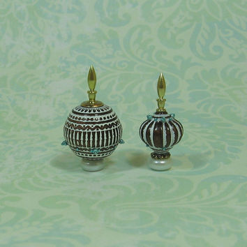 Dollhouse Miniature Pair of Bronze & White Fancy Bottles