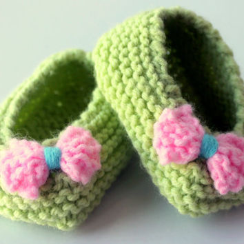 Newborn Knitting Green With Pink and Blue Bow Baby Shoes / Ballerina Shoes / Gift for Baby Shower / Ready to Shipping / Free Shipping