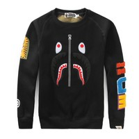 Bape 2018 autumn and winter new personality shark camouflage casual round neck plus velvet sweater Black