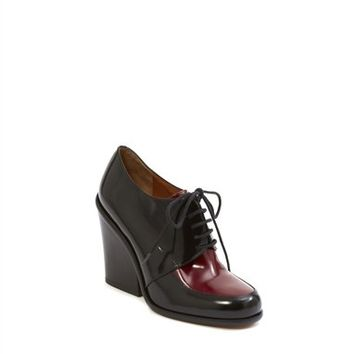 Boy Meets Girl Closed Oxford Pump