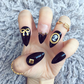 NAILED IT! Hand Painted False Nails - Kawaii Victorian Gothic Cameo