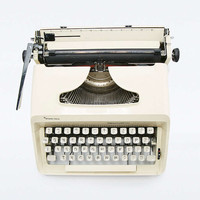 Vintage Remington Performer Typewriter - Urban Outfitters