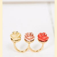 Row of Roses Ring in Size 7 - Francesca's Collections