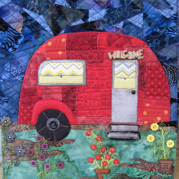 Quilted Wall Hanging, Vintage Camp Trailer, Art Quilt, Whimsical Quilt, Gift Idea, 11x11