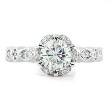Vintage Style Floral Moissanite Engagement Ring - Blooming Bliss