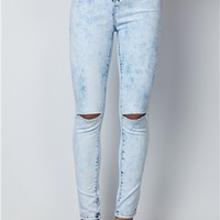 Maxi High Waisted Light Wash Skinny Jeans at Misspap.co.uk