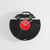 Volswagen Beetle inspired wall clock from upcycled vinyl record (LP), Handmade gift for VW Beetle / bug fan, VW Kaefer garage wall decor